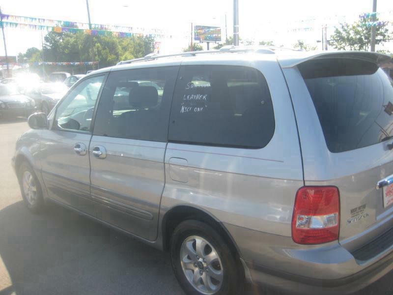 2004 Kia Sedona